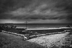 stormy-ocean-sea-black-white-coast-cliffs-projects-copyright-haegele-photography-photographer-germany-deutschland-fotograf