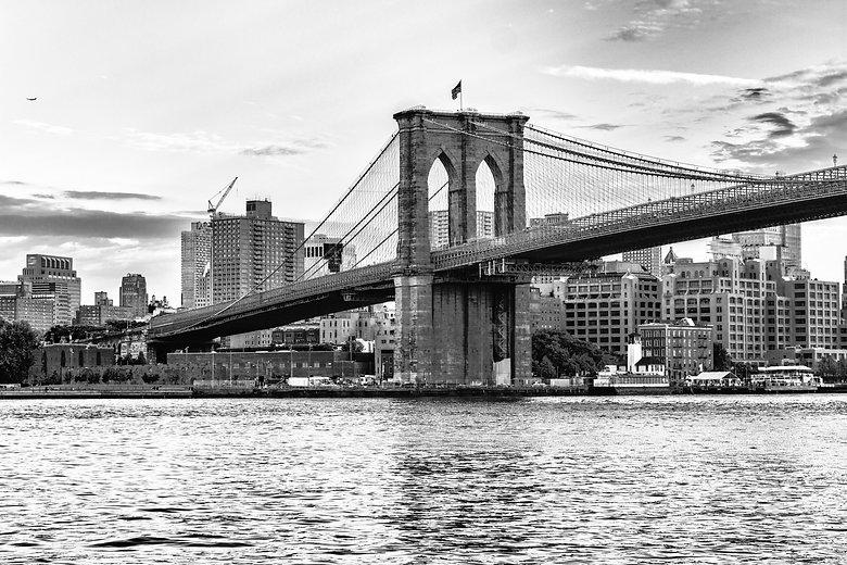Brooklyn bridge, New York City..jpg