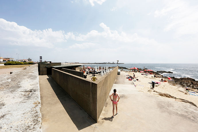 álvaro siza - leça swimming pool