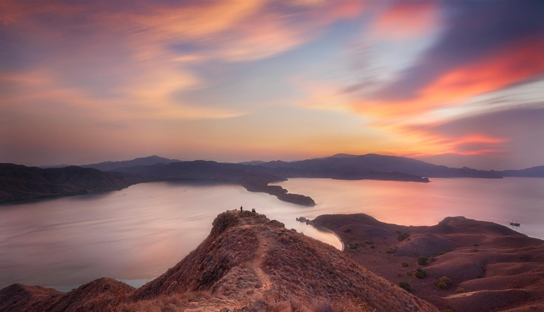 Gili Lawa Sunset