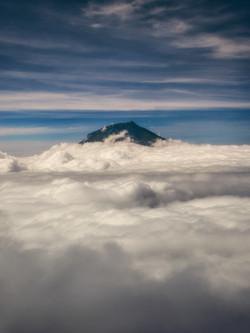 Sindoro Summit