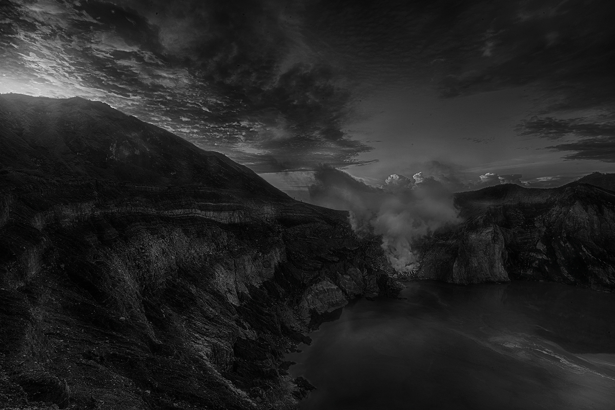 Ijen Lake Black White