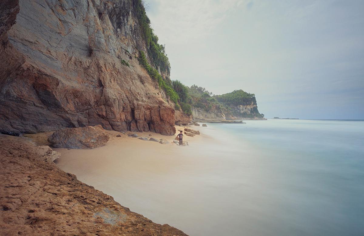 Pantai Banyutibo
