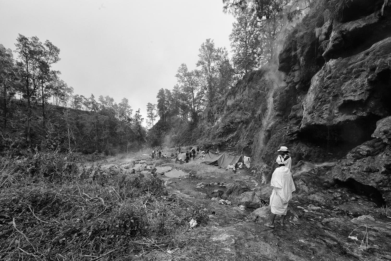 Rinjani Cave Dwellers