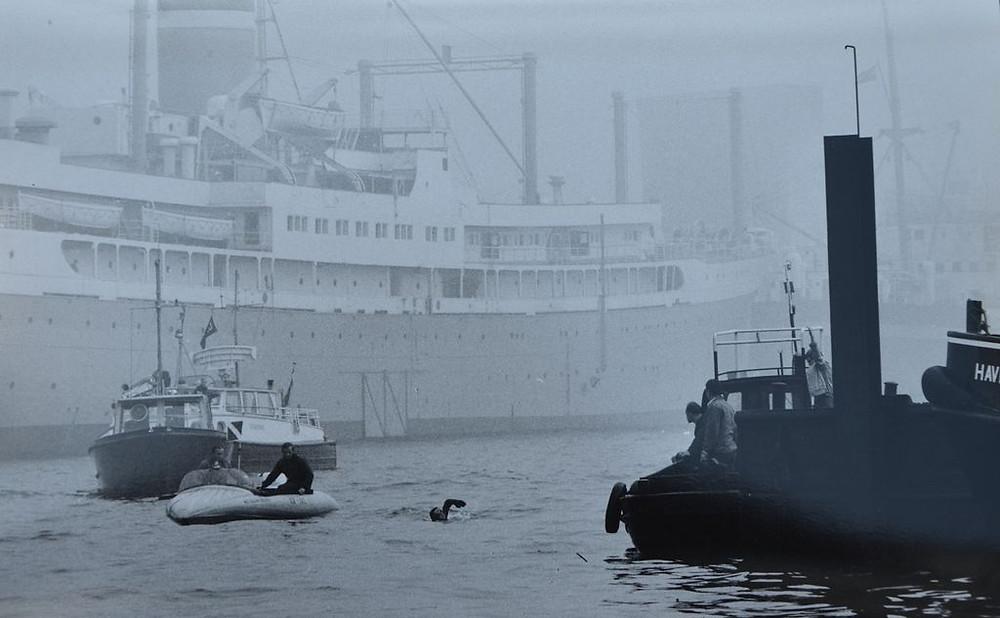 Klaus Pechstein im Hafen von Rotterdam