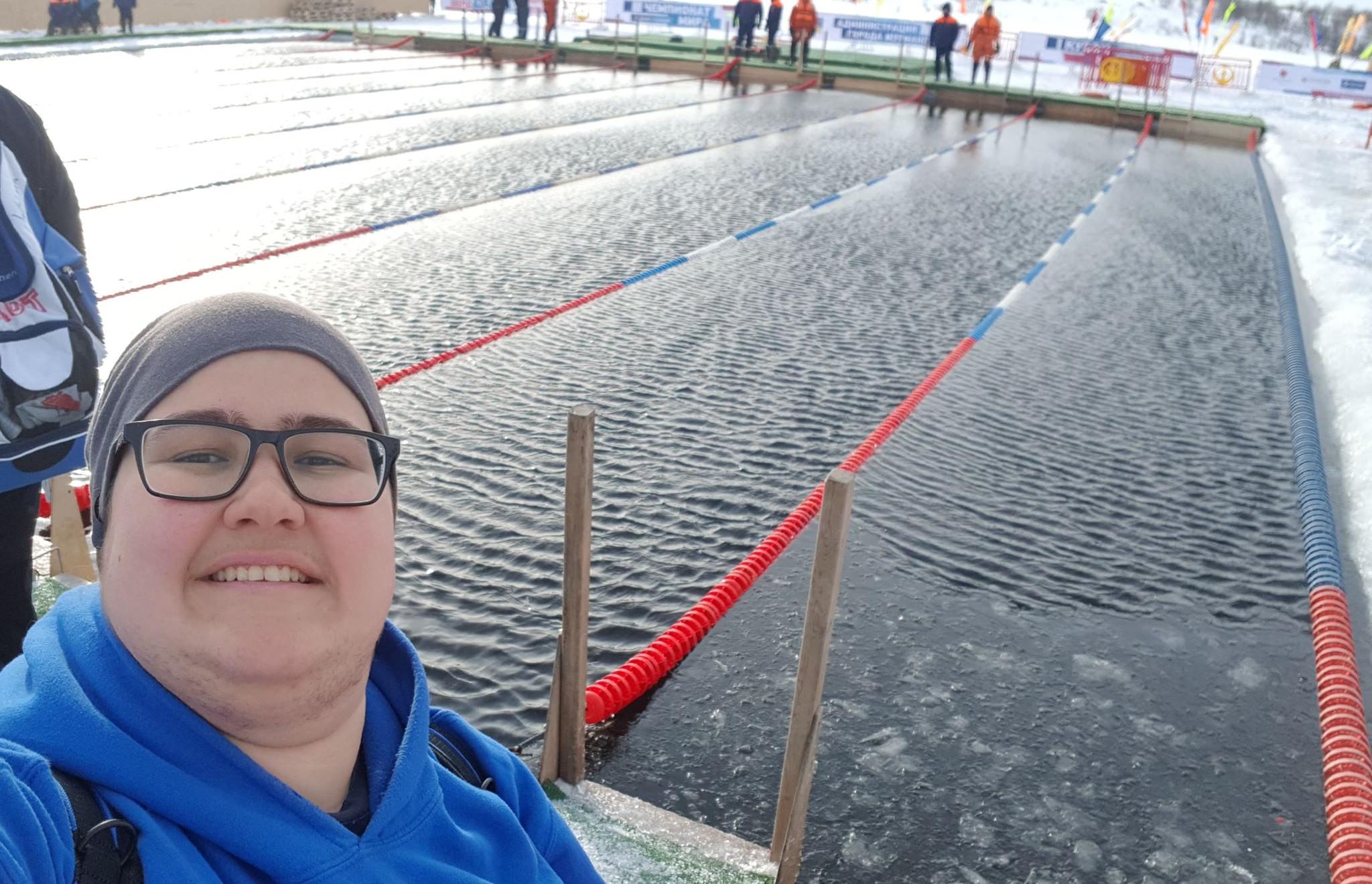 Yasmine Pließnig bei den Eisschwimm Weltmeisterschaften in Murmansk Russland