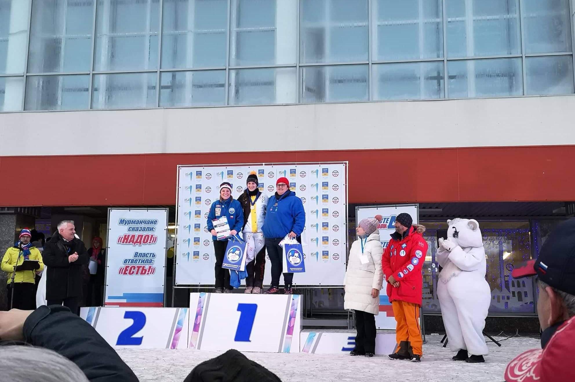 Yasmine Pliessnig - dritter platz beim Acrtic Cup in Murmansk russland im Eisschwimmen
