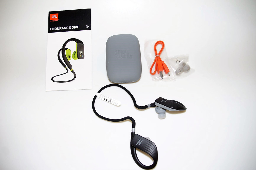 JBL Endurance Dive Box Inhalt