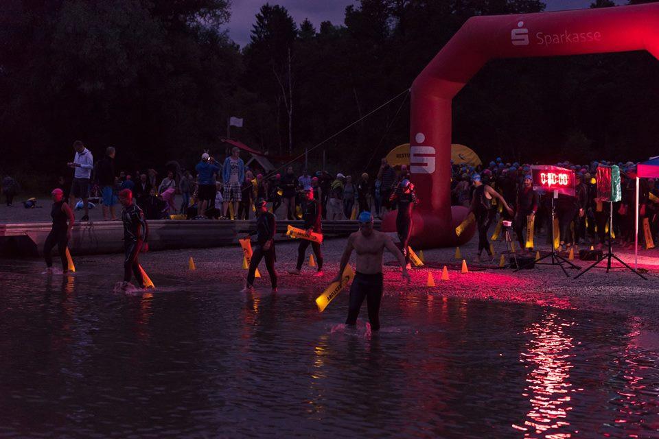 Chiemsee Vollmondschwimmen SchwimemrInnen beim Start