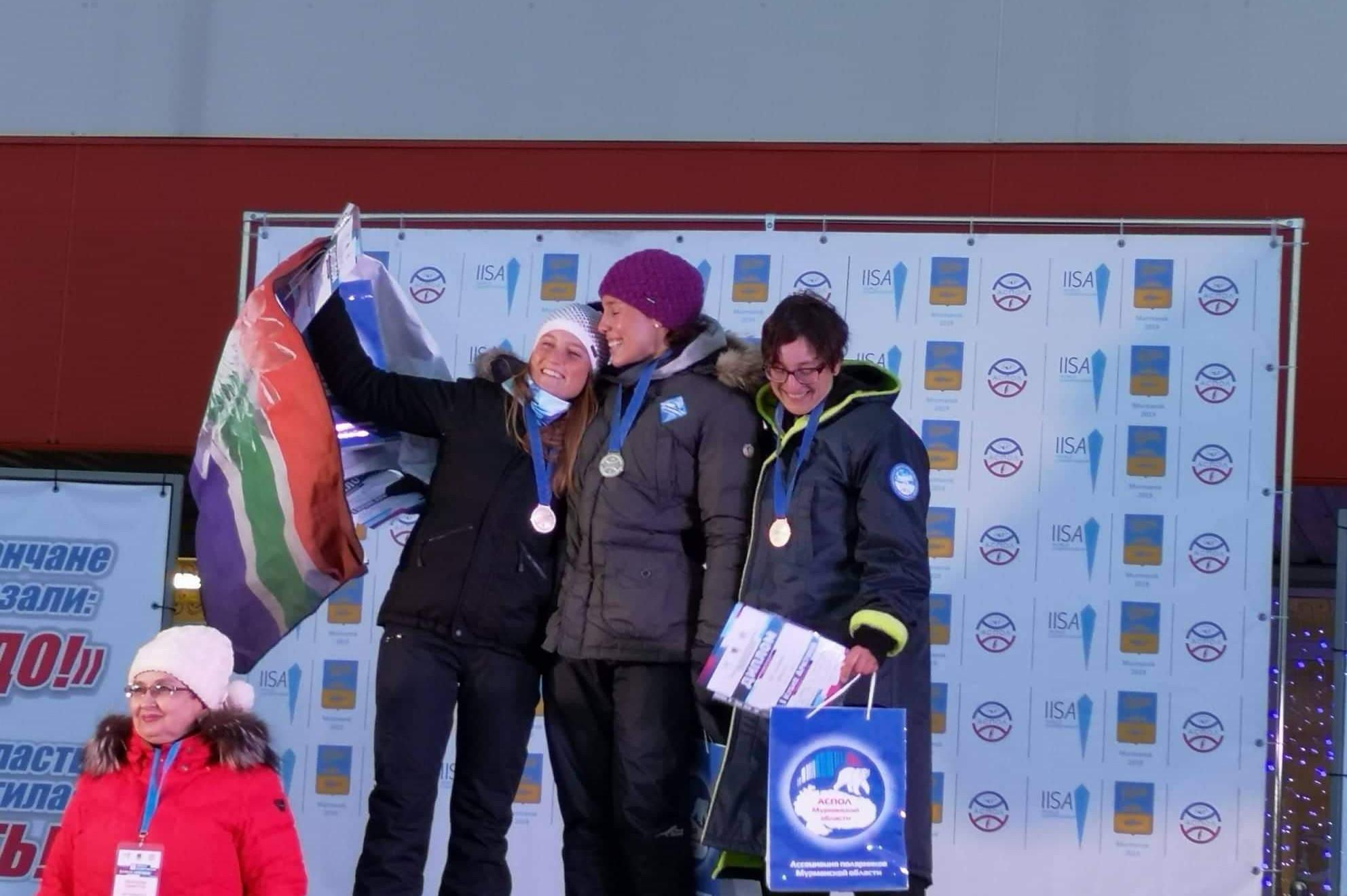 Eva Hallama - dritter Platz beim Arctic Cup in Murmansk, Russland im Eisschwimmen