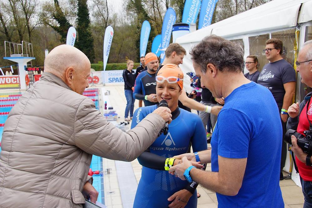 Interview mit Claudia Müller beim Parktherme 24 Stunden Schwimmen