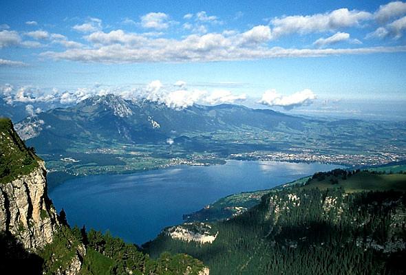Thunersee vom Berg aus gesehen