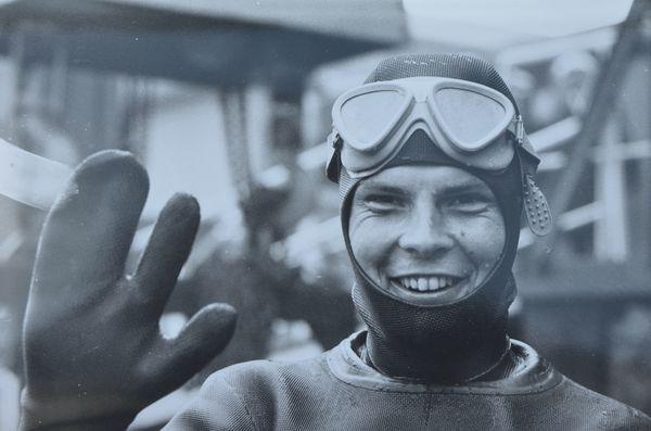 Klaus Pechstein im Wasser lachend