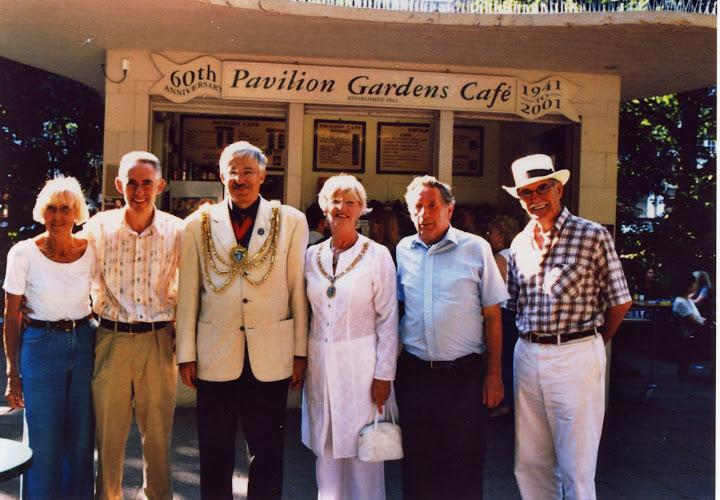 Sewell's with Mayor Bob Carden.jpg