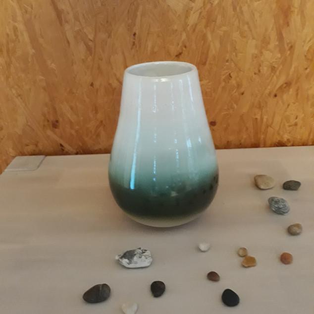 Vase blanc et vert   40€