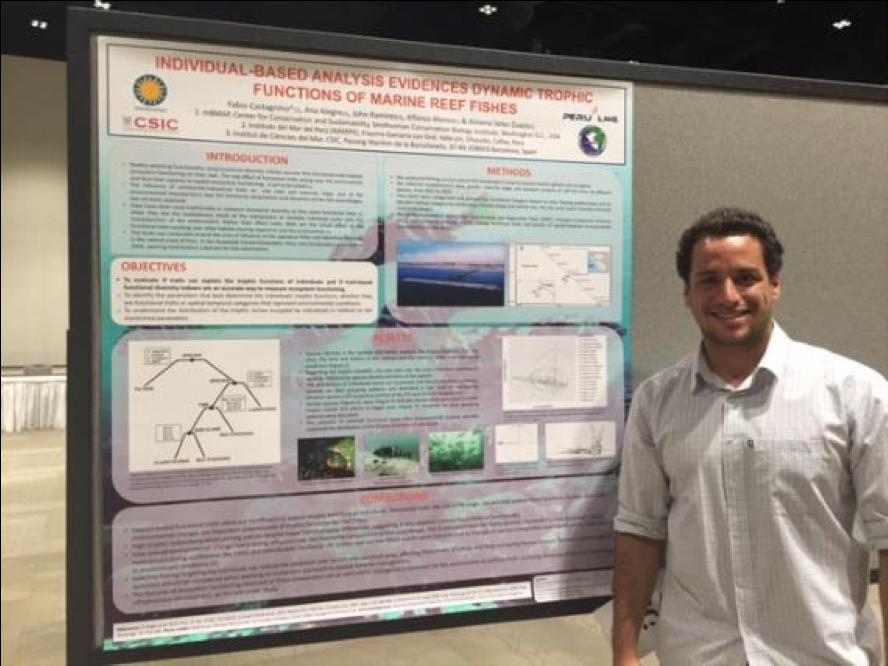 Fabio Castagnino (Interno de investigación BMAP, 2015-2017) presentando su afiche.