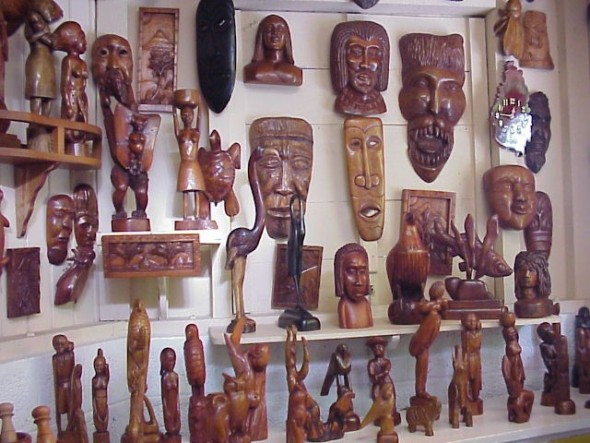 wood_carvings_at_eudovics