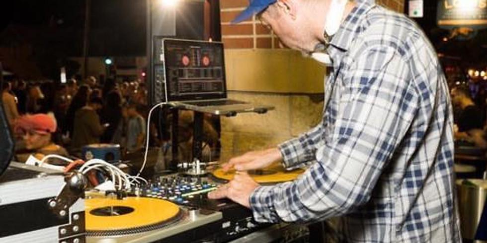 DJ Vaughn Solo (1)