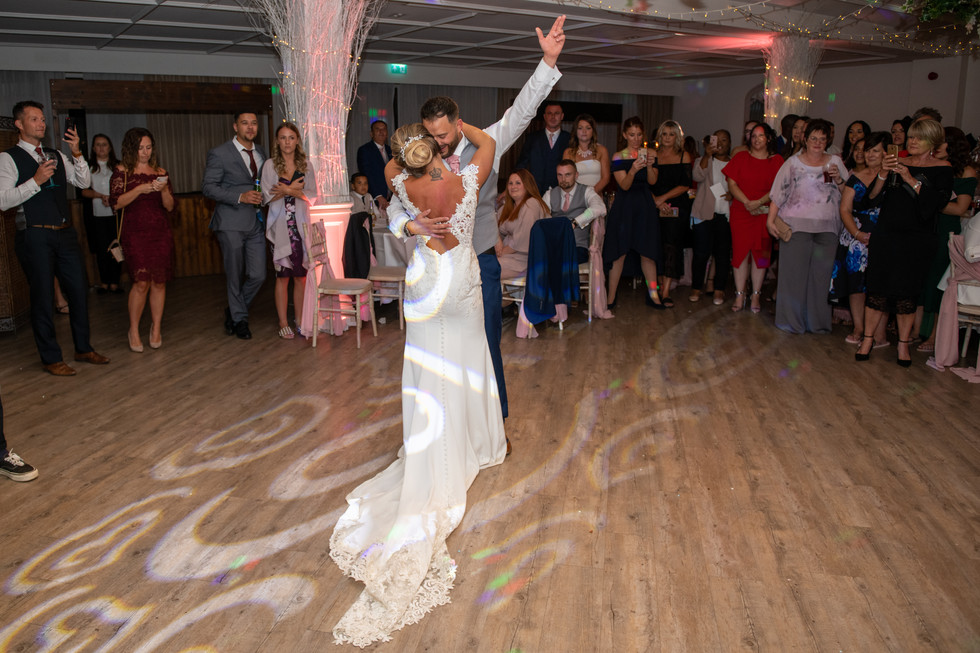 Manor by the Lake   Gloucestershire Wedding Photograher   wheatman photography   12
