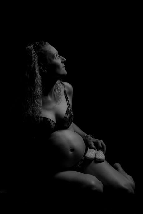 Pregnancy Shoot 37 | Bump Shoot | Gloucestershire | Wheatman Photography
