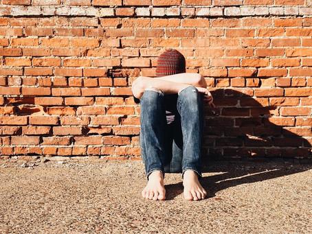 Cosa c'è veramente alla base dei problemi relazionali e comportamentali dei giovani?