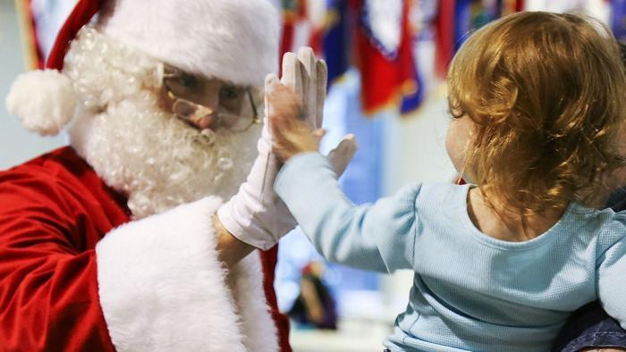 Babbo Natale A Casa Dei Bambini.Come Dire Ai Vostri Bambini Che Babbo Natale Non Esiste