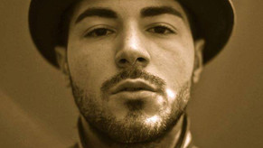 Producer e cantante di musica hiphop, trap  e R&B: CHOSEN1