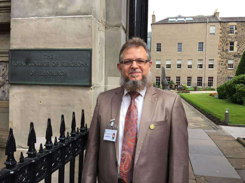 Dr. Mazen Sinjab is a member in the examination board of fellowship in Edinburgh College of Surgeons in the UK.