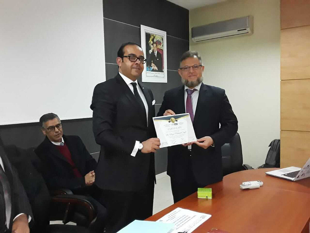 Dr. Mazen Sinjab receives the appreciation certificate from Al Hassan II University in Casablanca or his scientific contribution in international medical education.