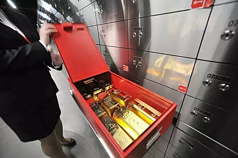 Safe deposit lockers manufacturer.jpeg
