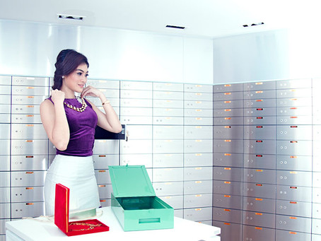 What should I keep in my safe deposit box?