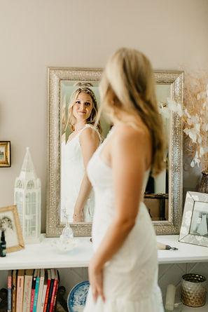 2 Bridal Suite Stephanie Maurie M-H-132.