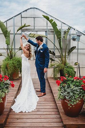 outdoor wedding venue in illinois