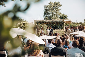 outdoor wedding venue in illinois garden ceremony