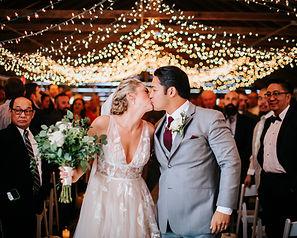 barn wedding ceremony venue in chicago western suburbs
