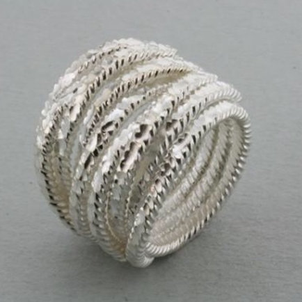 Creased foil rope ring