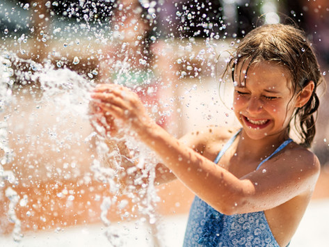 8 דרכים ליצור קיץ רגוע יותר עבור ילדים רגישים