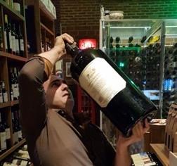 Degustação com Produtor da Vinícola Casa Marques Pereira na Adega Suíça