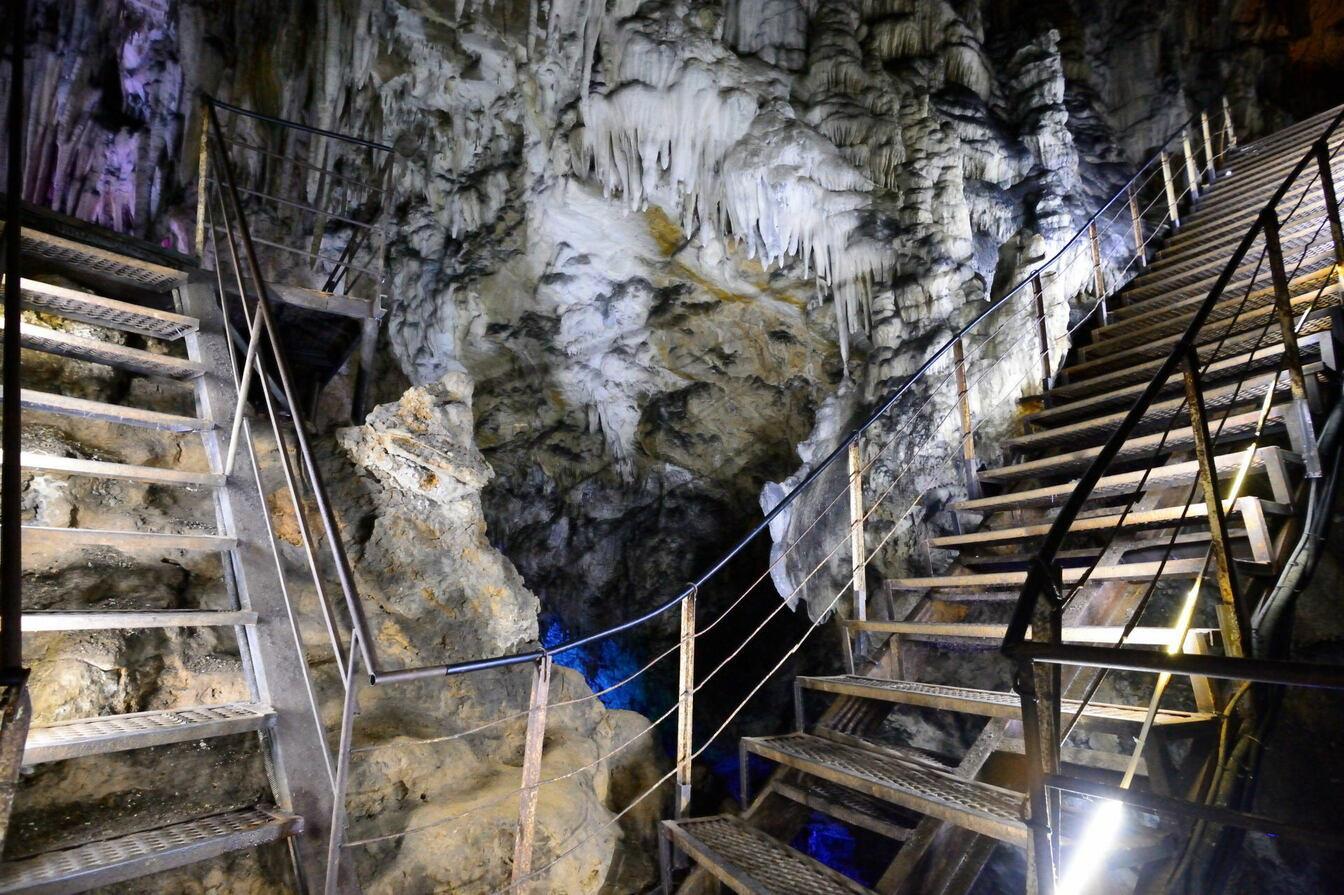 большая азишская пещера лагонаки