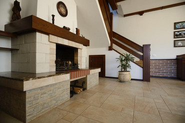 каминный зал гостевого дома.JPG