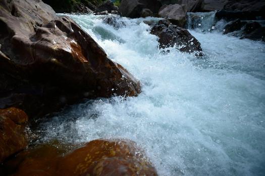 горная река белая гузерипль