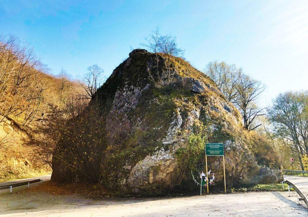 казачий камень в Адыгее