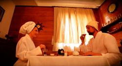 Чаепитие с медом и вареньем
