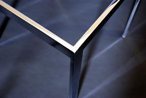 Top edge detail