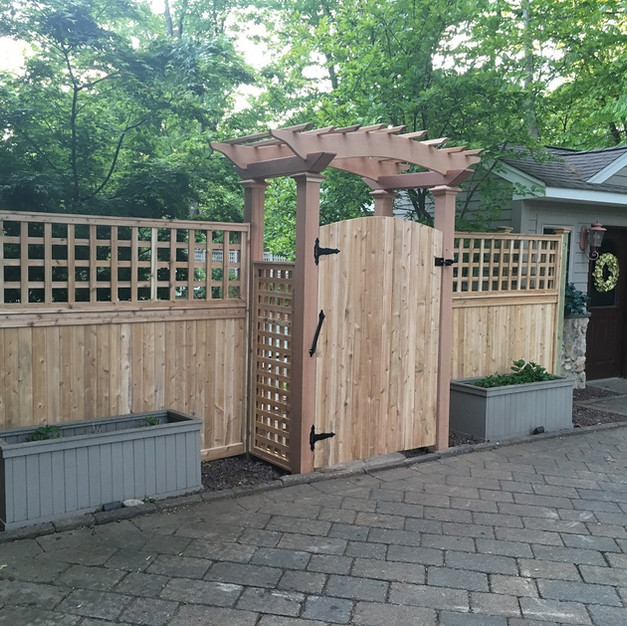 Tongue & Groove with Square Lattice Topper