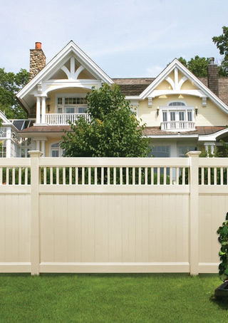 Vinyl fence installation in Mendham and Saddle River, NJ
