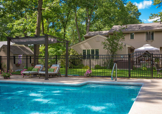 ActiveYards aluminum fence in Franklin Lakes, NJ