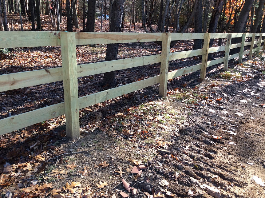 Top chain link fence installation near me in Essex Fells and Tewksbury, NJ