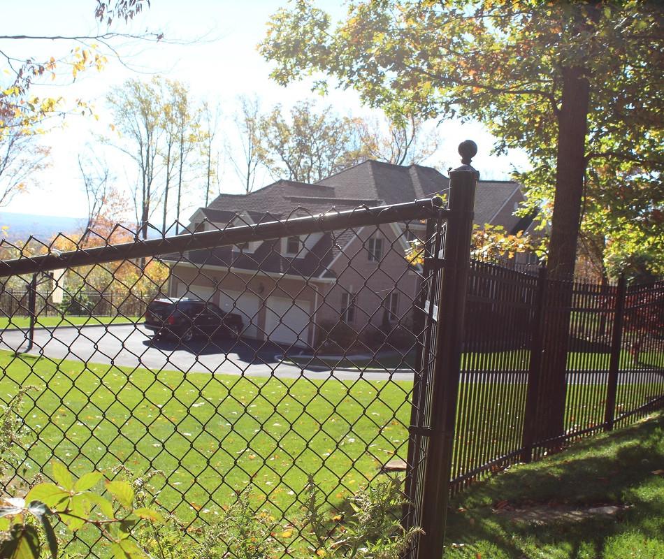 Residential chain link fence in Tewksbury and Essex Fells NJ