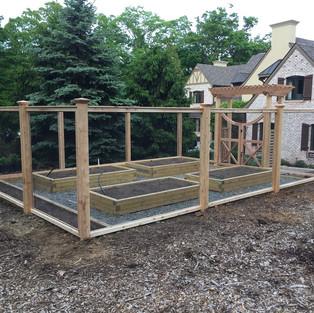 Garden Fencing 2.jpg